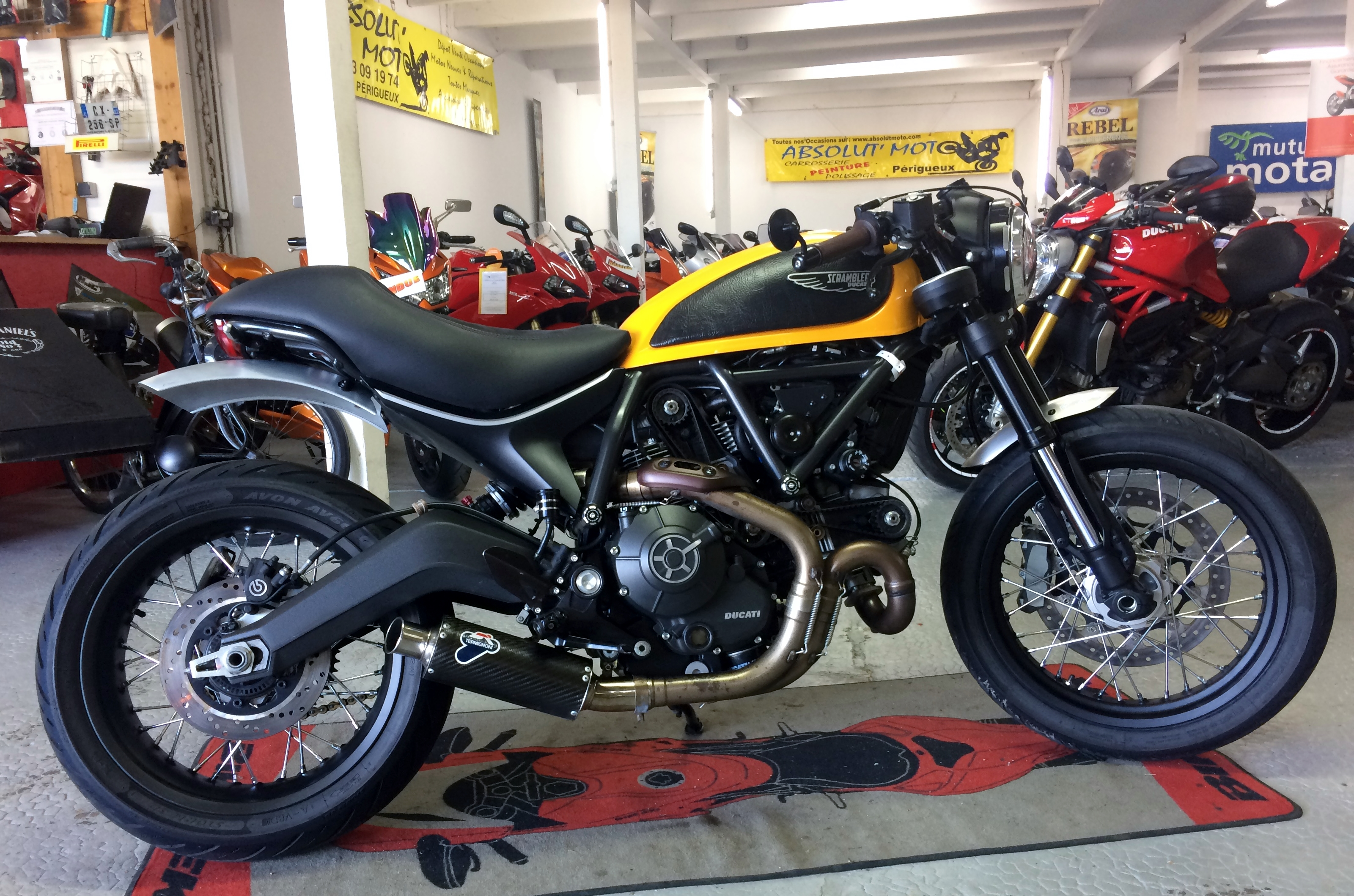 ducati scrambler classic 800 caf racer absolut 39 moto. Black Bedroom Furniture Sets. Home Design Ideas